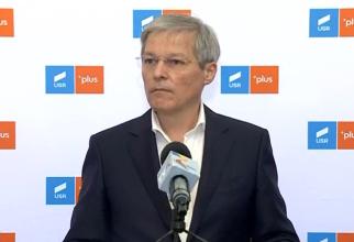 Dacian Cioloș depune lista de miniștri