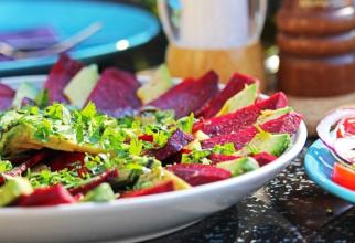 Dieta cu sfeclă roșie te scapă de cinci kilograme în doar 10 zile. Leguma minune are un conținut bogat în vitamine, minerale și fibre