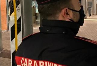 Italia. Româncă, bătută crunt de fostul soț, de față cu doi minori. Bărbatul dorea să se răzbune pe mama copiilor săi