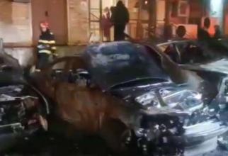 """Mașinile dintr-o parcare au ars, în Galați. Se ia în calcul o mână criminală: """"N-am putut să ies din bloc că începeau să se topească uşile"""""""