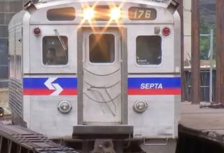 O femeie a fost violată într-un tren, dar nimeni nu a intervenit să o ajute