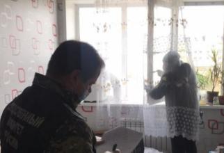 O mamă și-a aruncat fetița de 4 ani pe fereastră. Disperat, frățiorul mai mare o ruga pe femeie să se oprescă