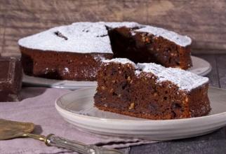 Prăjitură cu vinete și ciocolată neagră, hitul sezonului de toamnă. O rețetă pe cât de neobișnuită, pe atât de delicioasă