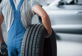RAR avertizează: Șoferii care folosesc cauciuri all season iarna vor fi sancționați