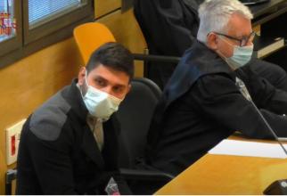 Spania. Un ROMÂN, acuzat că a ÎNJUNGHIAT mortal un CONAȚIONAL, jură că VICTIMA a căzut singură peste CUȚIT. Un COPIL de trei ani a rămas ORFAN