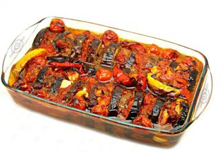 Mâncarea de vinete în stil turcesc e un deliciu