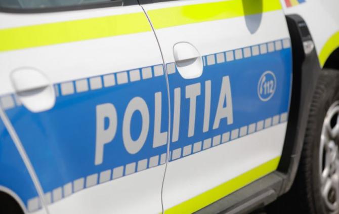 Accident rutier grav la Cernica. Șoferul și o pasageră au murit pe loc, zdrobiți de mașina răsturnata
