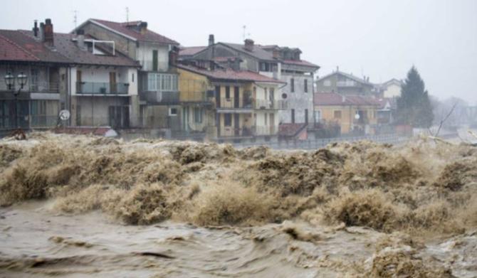 Italia e sub ape. Românii sunt avertizați să nu călătorească în acest stat