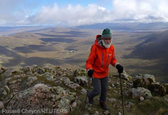 El este scoțianul care escaladează munții pentru soția sa