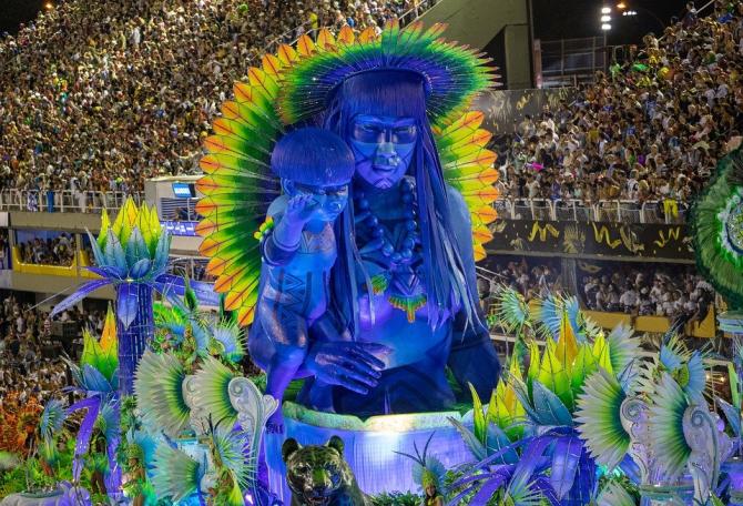 Carnavalul Rio de Janeiro, fără restricții