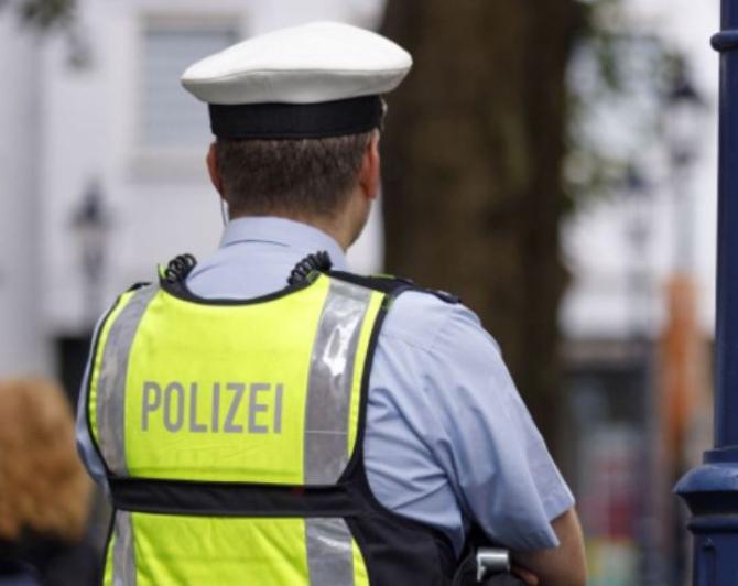 Controale în gările din Germania. Un român, care se plimba prin gară fără mască, săltat de polițiști