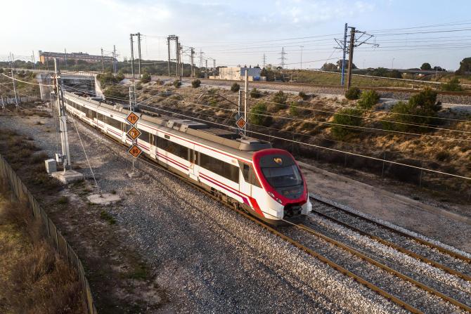 Tinerii români pot călători gratuit în Europa cu trenul