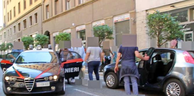 """Italia. Mamă româncă, hărțuită pe stradă, în timp ce mergea să-și ia fiica de la școală: """"Țipa la mine Te voi ucide, te voi ucide!"""". FOTO: captură tusciaweb.eu"""