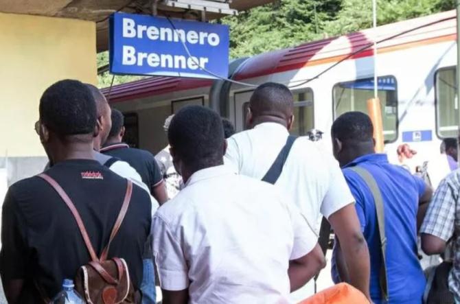 Italia. Un român, căutat în toată Europa, depistat de polițiști într-un tren. Bărbatul a ajuns la închisoare