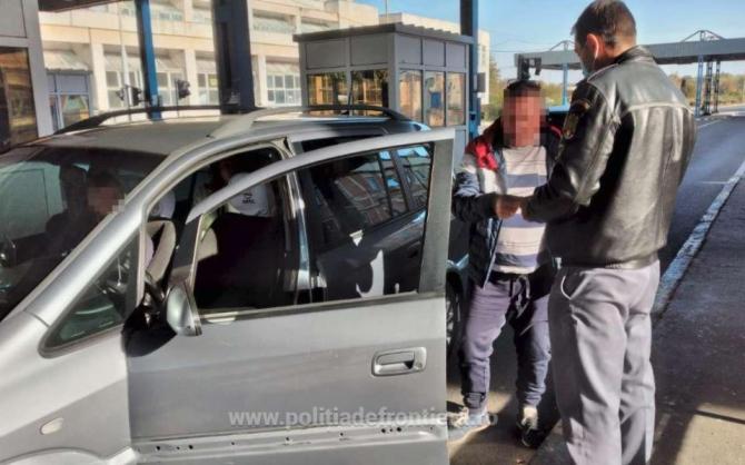 Microbuz cu destinația Germania, oprit în vamă. Un pasager a fost dat joi și interogat. Bărbatul s-a ales cu dosar penal
