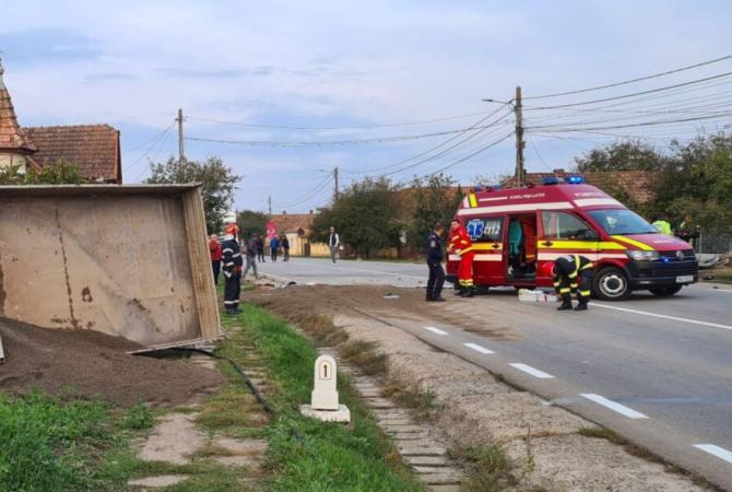 O femeie murit pe loc, după ce a mașina ei a fost spulberată de o camionetă în Mureș sursa - tiraveni.ro