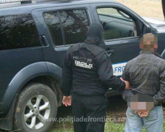 Român, dat în căutare în toată Europa, depistat ascuns printre bagaje, la intrarea în țară