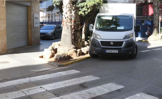 Spania. Român, ucis pe stradă de doi bărbați și abandonat într-o baltă de sânge. FOTO: captură diariodeibiza.es